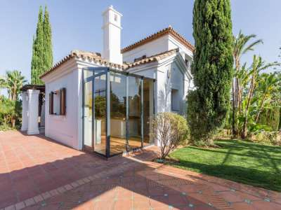 Image 2 | 4 bedroom villa for sale with 1,187m2 of land, Monte Paraiso, Marbella, Malaga Costa del Sol, Marbella Golden Mile 207994