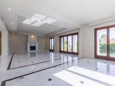 Image 4 | 4 bedroom villa for sale with 1,187m2 of land, Monte Paraiso, Marbella, Malaga Costa del Sol, Marbella Golden Mile 207994
