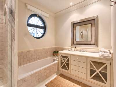 Image 19 | 11 bedroom villa for sale with 0.58 hectares of land, Guadalmina Baja, Guadalmina, Malaga Costa del Sol, Andalucia 208027