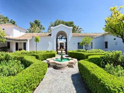 Image 2 | 11 bedroom villa for sale with 0.58 hectares of land, Guadalmina Baja, Guadalmina, Malaga Costa del Sol, Andalucia 208027