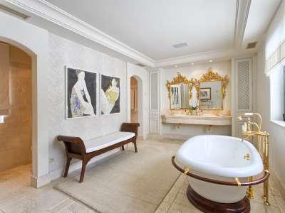 Image 22 | 11 bedroom villa for sale with 0.58 hectares of land, Guadalmina Baja, Guadalmina, Malaga Costa del Sol, Andalucia 208027