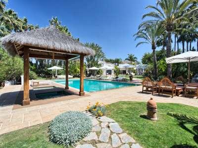 Image 3 | 11 bedroom villa for sale with 0.58 hectares of land, Guadalmina Baja, Guadalmina, Malaga Costa del Sol, Andalucia 208027