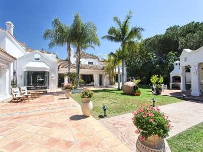 Image 36 | 11 bedroom villa for sale with 0.58 hectares of land, Guadalmina Baja, Guadalmina, Malaga Costa del Sol, Andalucia 208027