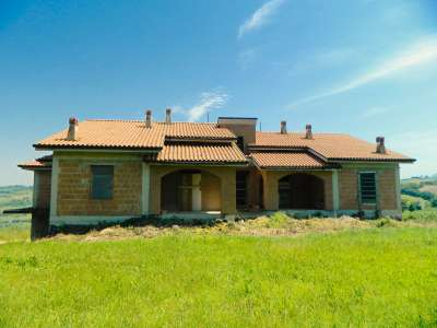 Image 1 | 8 bedroom villa for sale with 1 hectares of land, Amandola, Fermo, Marche 208692