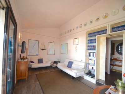 Image 7   Pretty Waterfront Villa for Sale in Lasize - Pacengo, Lake Garda with Pool 208939