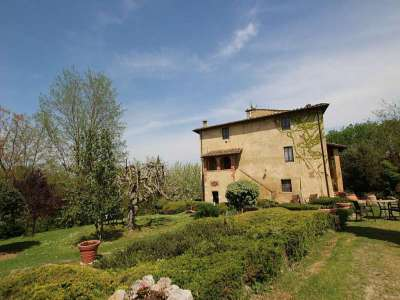 Image 21 | Large Farmhouse for Sale comprising 10 Apartments in Colle di Val d'Elsa 209133