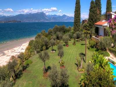 Image 2 | 4 bedroom villa for sale with 0.4 hectares of land, Sirmione, Brescia, Lake Garda 209593