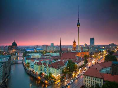 Image 3   Stunning Hotel in Berlin with in excess of 300 guest suites, spa gym etc... 209835