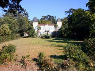 Image 14 | 6 bedroom French chateau for sale with 2.24 hectares of land, Vic Fezensac, Gers , Gascony 210077
