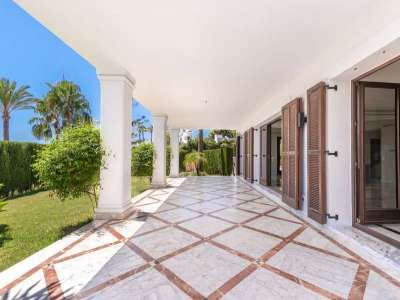 Image 3 | 4 bedroom villa for sale with 1,187m2 of land, Monte Paraiso, Marbella, Malaga Costa del Sol, Marbella Golden Mile 210552