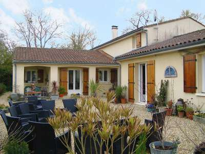 Image 1 | 4 bedroom house for sale with 0.26 hectares of land, Tusson, Charente , Poitou-Charentes 211906