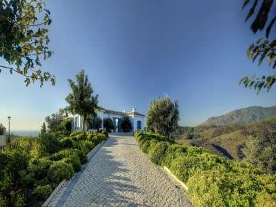 Image 2   5 bedroom villa for sale with 0.7 hectares of land, Monte Mayor Golf Resort, Marbella, Malaga Costa del Sol, Andalucia 212682