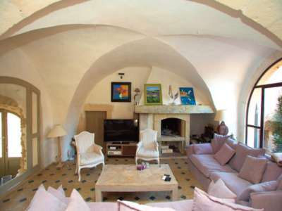 Image 4 | 13 bedroom farmhouse for sale with 3 hectares of land, Cereste, Alpes-de-Haute-Provence 4, Luberon 212895