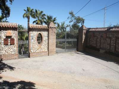 Image 21 | 7 bedroom farmhouse for sale with 0.49 hectares of land, Alhaurin el Grande, Malaga Costa del Sol, Andalucia 215037