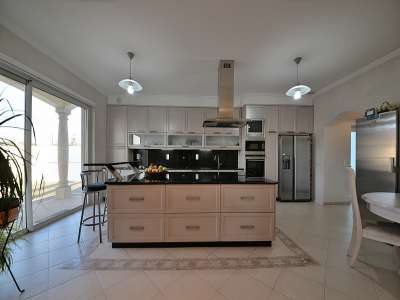 Image 7 | 4 bedroom villa for sale with 1,575m2 of land, Santa Maria da Feira, Aveiro District, Central Portugal 215170