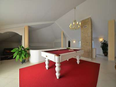 Image 9 | 4 bedroom villa for sale with 1,575m2 of land, Santa Maria da Feira, Aveiro District, Central Portugal 215170
