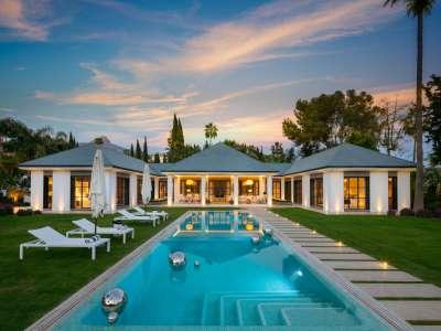 Image 1 | 6 bedroom villa for sale with 0.21 hectares of land, Las Brisas Golf, Nueva Andalucia, Malaga Costa del Sol, Andalucia 215594