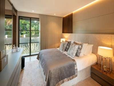 Image 18 | 6 bedroom villa for sale with 0.21 hectares of land, Las Brisas Golf, Nueva Andalucia, Malaga Costa del Sol, Andalucia 215594