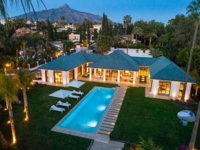 Image 2 | 6 bedroom villa for sale with 0.21 hectares of land, Las Brisas Golf, Nueva Andalucia, Malaga Costa del Sol, Andalucia 215594