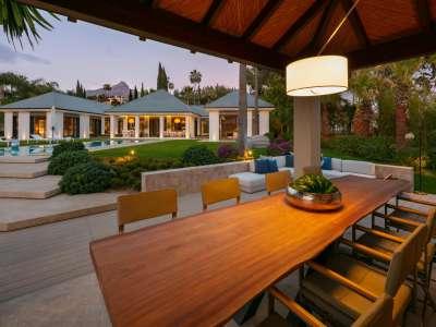 Image 24 | 6 bedroom villa for sale with 0.21 hectares of land, Las Brisas Golf, Nueva Andalucia, Malaga Costa del Sol, Andalucia 215594
