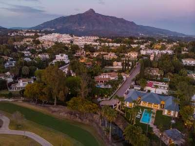 Image 33 | 6 bedroom villa for sale with 0.21 hectares of land, Las Brisas Golf, Nueva Andalucia, Malaga Costa del Sol, Andalucia 215594