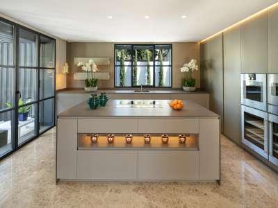 Image 6 | 6 bedroom villa for sale with 0.21 hectares of land, Las Brisas Golf, Nueva Andalucia, Malaga Costa del Sol, Andalucia 215594