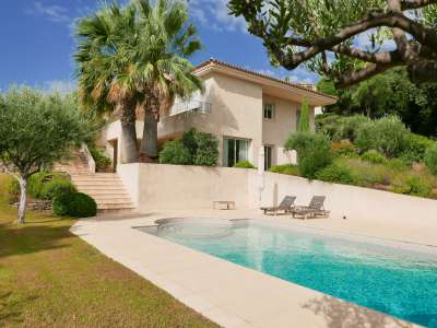 Image 1 | 3 bedroom villa for sale with 0.47 hectares of land, Sainte Maxime, French Riviera 215823