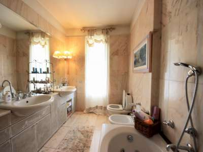 Image 13   5 bedroom villa for sale with 700m2 of land, Camaiore, Lucca, Tuscany 216253