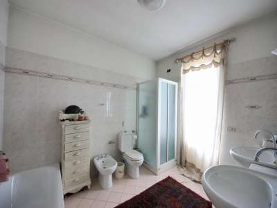 Image 14   5 bedroom villa for sale with 700m2 of land, Camaiore, Lucca, Tuscany 216253