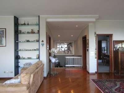 Image 6   4 bedroom villa for sale with 500m2 of land, Desenzano del Garda, Brescia, Lake Garda 216635