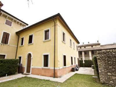 Image 1 | 4 bedroom villa for sale with 1,000m2 of land, Sant Ambrogio di Valpolicella, Verona, Lake Garda 216875