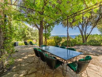 Image 3   6 bedroom house for sale with 4 hectares of land, Goult, Vaucluse , Luberon 216914