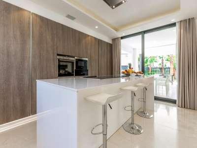 Image 11 | 5 bedroom villa for sale with 1.19 hectares of land, Puente Romano, Marbella, Malaga Costa del Sol, Marbella Golden Mile 216941