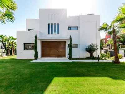 Image 32 | 5 bedroom villa for sale with 1.19 hectares of land, Puente Romano, Marbella, Malaga Costa del Sol, Marbella Golden Mile 216941