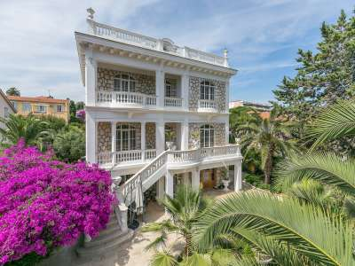 Elegant Character Income Potential , Hotel/Villa with 5 ...