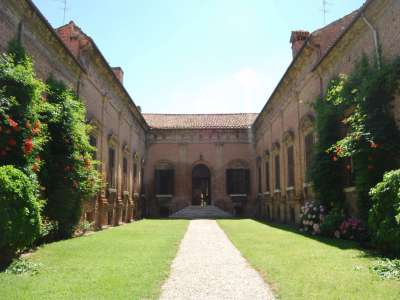 Image 2 | Charming Renaissance Palazzo for Sale in Ferrara with 7 Apartments. 218151