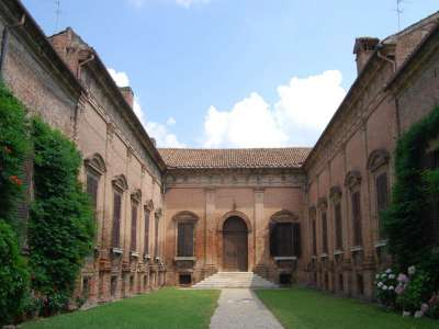 Image 3 | Charming Renaissance Palazzo for Sale in Ferrara with 7 Apartments. 218151