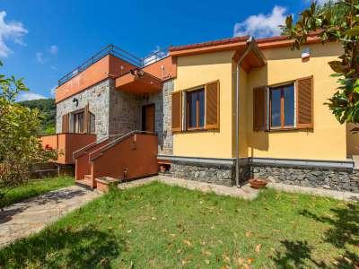 Image 1   5 bedroom villa for sale, Bergeggi, Savona, Liguria 218310
