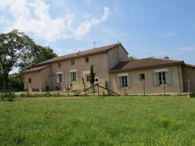 Image 3 | 4 bedroom house for sale with 1.63 hectares of land, Aunac, Charente , Poitou-Charentes 219073