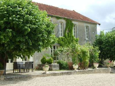 Image 1 | 17 bedroom house for sale with 1.17 hectares of land, Cognac, Charente , Poitou-Charentes 219254
