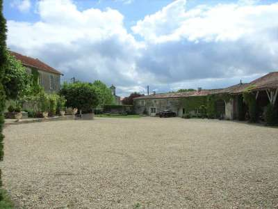Image 15 | 17 bedroom house for sale with 1.17 hectares of land, Cognac, Charente , Poitou-Charentes 219254