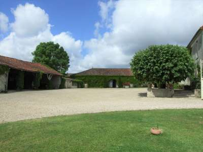 Image 27 | 17 bedroom house for sale with 1.17 hectares of land, Cognac, Charente , Poitou-Charentes 219254
