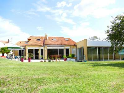 Image 25 | 7 bedroom house for sale with 0.31 hectares of land, Vaux sur Mer, Charente-Maritime , Poitou-Charentes 219322