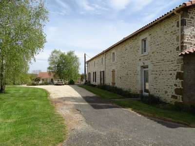 Image 6 | 14 bedroom farmhouse for sale with 1.17 hectares of land, Fontenay le Comte, Vendee , Pays-de-la-Loire 219544