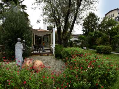 Image 2 | 4 bedroom house for sale with 800m2 of land, La Rochelle, Charente-Maritime , Poitou-Charentes 219579