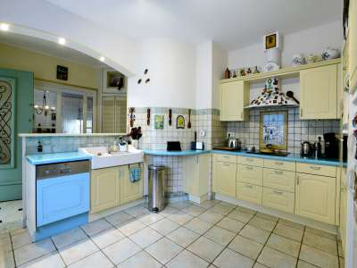 Image 9 | 4 bedroom house for sale with 800m2 of land, La Rochelle, Charente-Maritime , Poitou-Charentes 219579