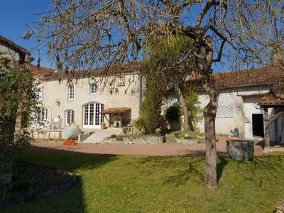 Image 11 | 4 bedroom house for sale with 1,228m2 of land, Villebois Lavalette, Charente , Poitou-Charentes 219745
