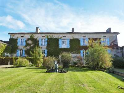 Image 1 | 11 bedroom house for sale with 7.12 hectares of land, Riberac, Dordogne , Aquitaine 219929