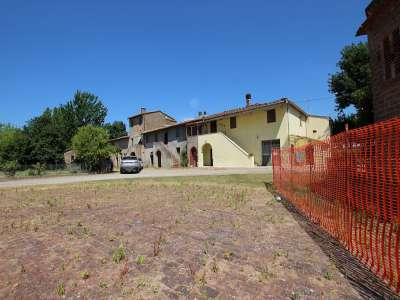 Image 1 | 4 bedroom farmhouse for sale with 0.4 hectares of land, Pisa, Tuscany 220064