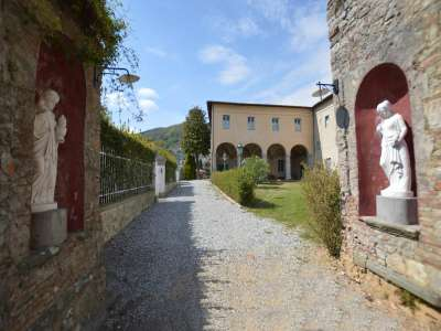 Image 1 | 5 bedroom villa for sale with 0.25 hectares of land, Lucca, Tuscany 220074